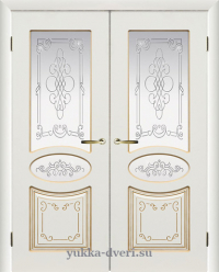 Двери белые межкомнатные двойные.